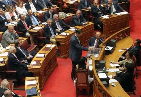 Τελευταία στιγμή έκοψαν τα διπλά εφάπαξ των υπαλλήλων της Βουλής