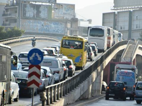 Κυκλοφοριακό κομφούζιο στην Αθήνα λόγω της απεργίας (ΦΩΤΟΡΕΠΟΡΤΑΖ)
