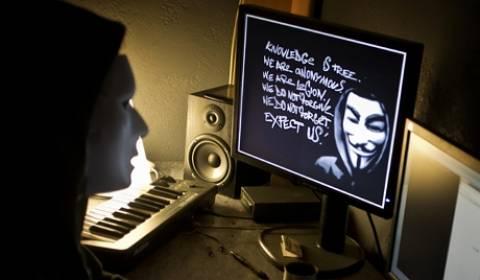 Οι Anonymous για τις ειδικές υπηρεσίες, την ελευθερία και τη Ρωσία