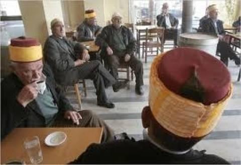 Με απελάσεις Τούρκων διπλωματών απειλεί η Αθήνα