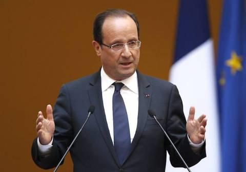 Υποστηρίζει μια μεταβατική κυβέρνηση στη Συρία ο Ολάντ
