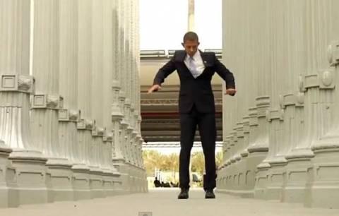 Bίντεο: Και ο Obama χορεύει Gangnam Style