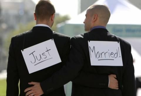 Νόμιμος ο γάμος των ομοφυλόφιλων ζευγαριών στην Ισπανία
