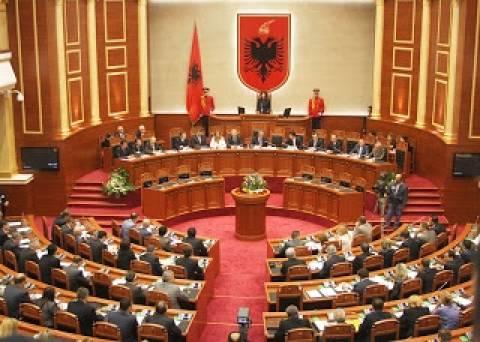 Ο ΥΠΕΞ Αλβανίας καλείται να απαντήσει για δικαιώματα μειονοτήτων