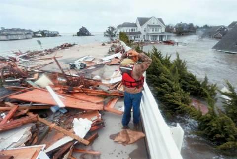 Ζημιές 50 δισ. δολαρίων άφησε πίσω του ο τυφώνας