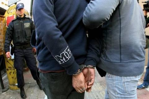 Δεκάδες προσαγωγές και συλλήψεις αλλοδαπών χθές στο κέντρο