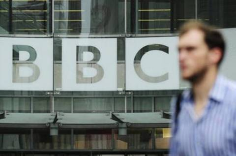 «Βροχή» οι παραιτήσεις στο BBC λόγω του σκανδάλου παιδεραστίας