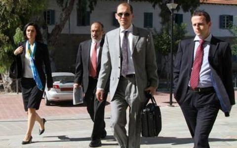 Συνεχίζονται οι διαβουλεύσεις στην Κύπρο με την Τρόικα