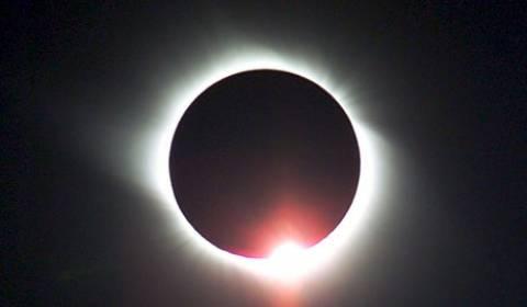 Απόψε η μοναδική  ολική έκλειψη Ηλίου για το 2012