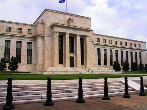 ΗΠΑ: Σήμα κινδύνου για την οικονομία από την FED