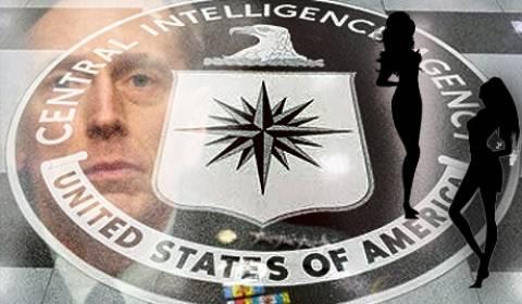 Στην ερωμένη του επικεφαλής της CIA βρέθηκαν απόρρητα δεδομένα