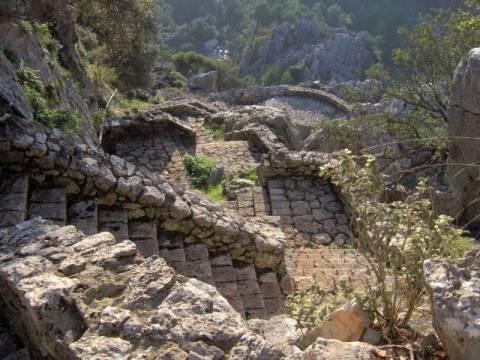 Το ιστορικό Σούλι έμεινε χωρίς εφορία-140 χλμ. μακριά πάνε οι κάτοικοι