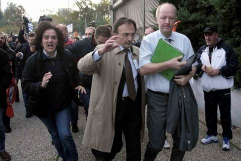 Αναβλήθηκε η δίκη των τριών συλληφθέντων για την επίθεση στον πρόξενο