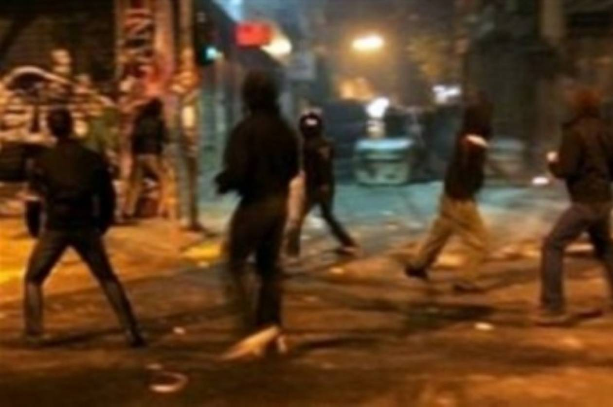 Τώρα:Πετροπόλεμος και χημικά στην πορεία στο Βόλο