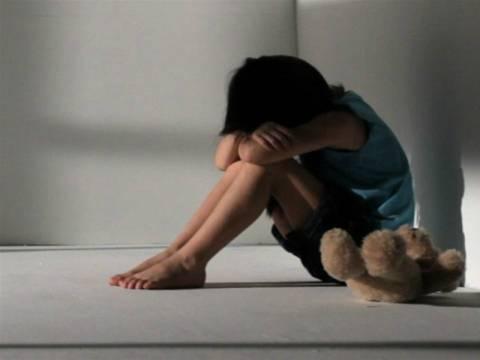 ΣΟΚ στην Αττική: Κλείδωσε τα παιδιά της και τα τάιζε μόνο φελιζόλ!