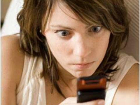 Nomophobia: Η καινούρια φοβία του να μην έχεις κινητό!