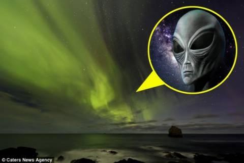 Εξωγήινη μορφή εμφανίστηκε στο Βόρειο Σέλας (pics)