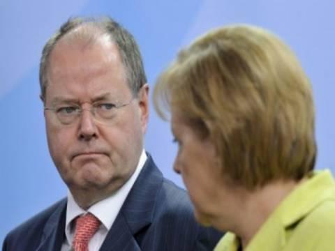 Στάινμπρουκ: Η Μέρκελ δεν λέει την αλήθεια για την Ελλάδα