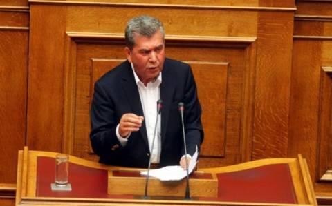 Σφοδρή κόντρα Μανιτάκη – Μητρόπουλου στη Βουλή