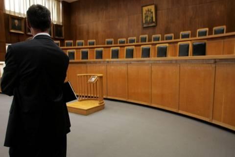 Περικοπές στις αποδοχές των δικαστών που δεν ανεβαίνουν στις έδρες