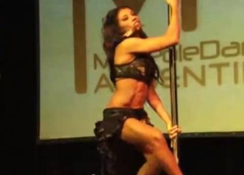 Βίντεο: Η νικήτρια στο πρωτάθλημα pole dancing Ν. Αμερικής