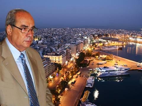 Βασίλης Μιχαλολιάκος: Κάποιοι θέλουν τον Πειραιά σκουπιδότοπο!