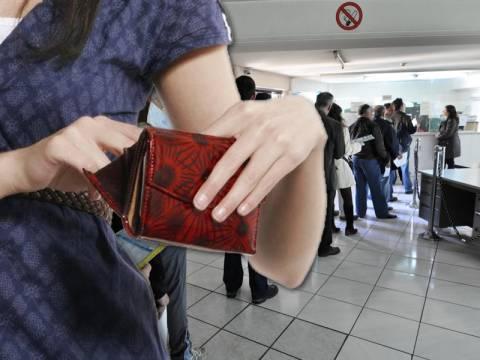 Χρέη στην εφορία: εξόφληση φόρων μέχρι και σε 48 δόσεις