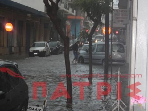 Βίντεο: «Πνίγηκε» ο Πύργος από την καταιγίδα