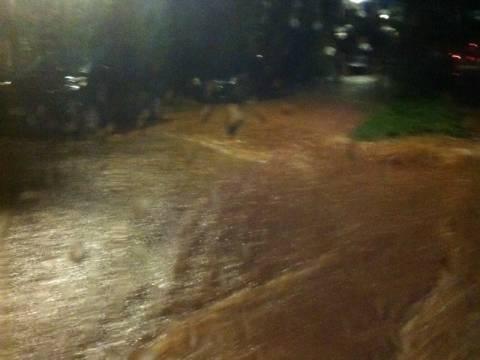 Κι όμως! Δεν είναι ποτάμι αλλά δρόμος στα Μελίσσια