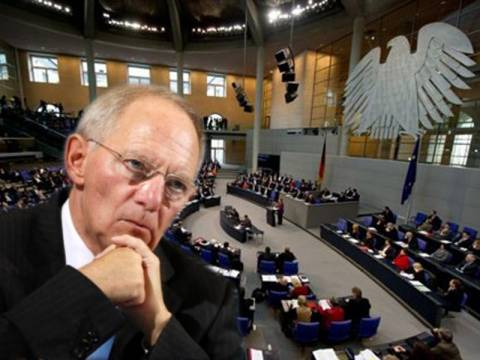 Σόιμπλε: Η χρεοκοπία της Ελλάδας θα οδηγούσε σε διάλυση της Ευρωζώνης