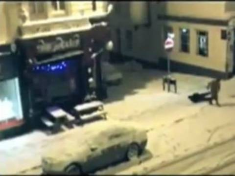 Βίντεο: Οι πιο... αστείες τούμπες στον πάγο!
