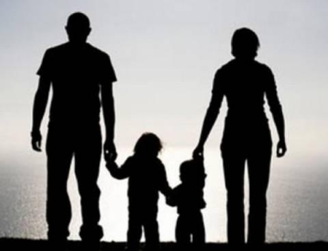 Σύσκεψη Σαμαρά-Υπ.Οικ.: Δεν κάνουν πίσω στη φορολόγηση των παιδιών!