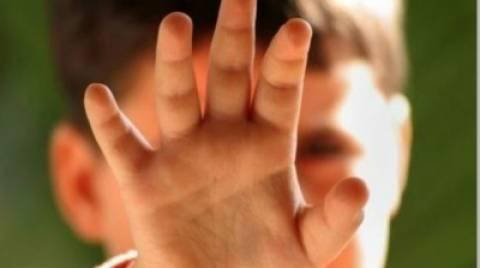 Tι να κάνουν οι γονείς για να προστατέψουν τα παιδιά από παιδόφιλους