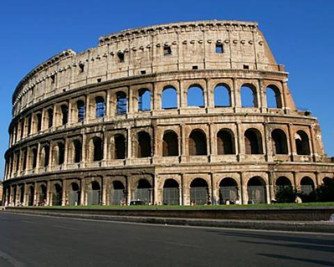 Ρώμη: Καταρρέει το Κολοσσαίο!