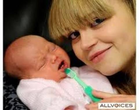 Απίστευτη φωτογραφία: Γεννήθηκε μωρό με… δόντια!