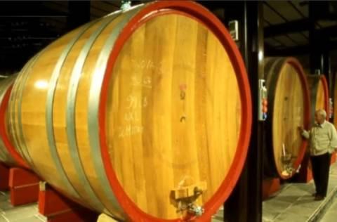 Έχυσαν χιλιάδες λίτρα εκλεκτού κρασιού στους υπονόμους