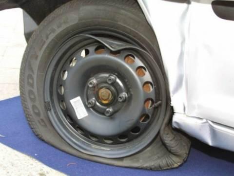 Ιωάννινα: Άλλαξε λάστιχο στο αυτοκίνητο και το... πλήρωσε 4.000 ευρώ!