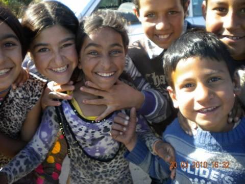 Ρόδος: Κοινωνικό παντοπωλείο και για τα τσιγγανόπουλα