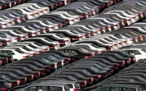 Νέα μείωση στην αγορά αυτοκινήτων - μοτοσυκλετών το γ τρίμηνο 2012
