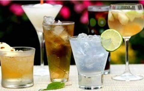 Μεγάλες απώλειες στην αγορά χυμών-αλκοολούχων ποτών