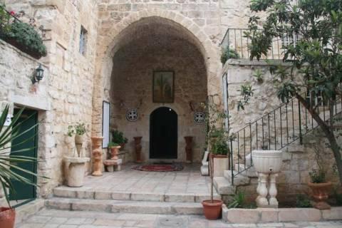 Αντιχριστιανικά συνθήματα στην Μονή Τιμίου Σταυρού στην Ιερουσαλήμ