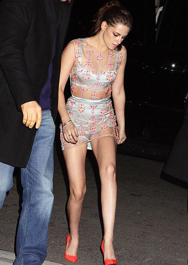 Το διάφανο, σέξι φόρεμα της Kristen Stewart έκλεψε την παράσταση (pic)