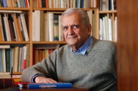 Τίτος Πατρίκιος: Η ποίηση μπορεί να είναι τα πάντα