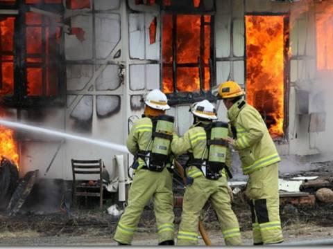 Χριστουγεννιάτικη τραγωδία: Ομογενείς κάηκαν μέσα στο σπίτι τους