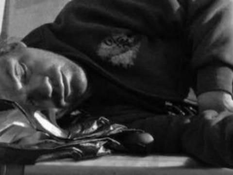 Αγρίνιο: Δεν φαντάζεστε πού βρήκαν νεαρό να κοιμάται!