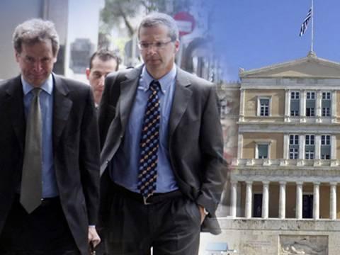 Η τρόικα ζητά κατασχέσεις λογαριασμών για χρέη στο Δημόσιο