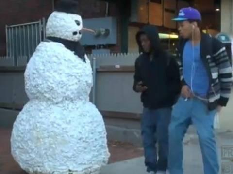 Απίθανη φάρσα: Ο χιονάνθρωπος ζωντάνεψε