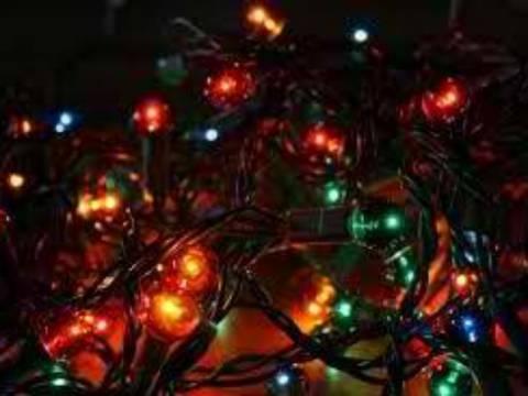 Αγρίνιο: Στο νοσοκομείο από... χριστουγεννιάτικα λαμπάκια
