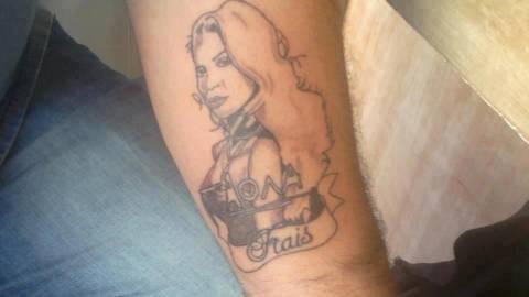 Χαμός στο Facebook: Δείτε τι τατουάζ έκανε ένας Έλληνας!