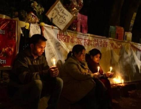 Οργή και θρήνος στην Ινδία για το θάνατο της 23χρονης φοιτήτριας